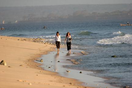 anita-and-sasha-on-the-beach